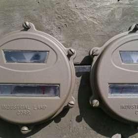 Nekaf achterlicht kapje met 2glaasjes gespoten